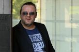 Zeljko Sasic ispred Palate pravde_080616_RAS foto Milorad Milankovic (7)