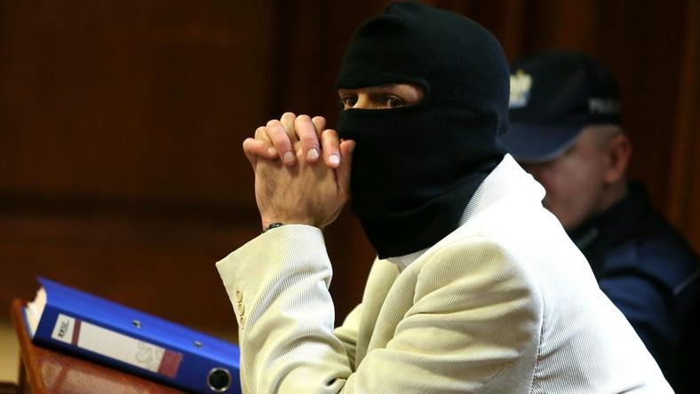 Oskarżony Igor M. ps. Patyk podczas pierwszej rozprawy w procesie o zabójstwo byłego szefa policji gen. Marka Papały w Sądzie Okręgowym w Warszawie