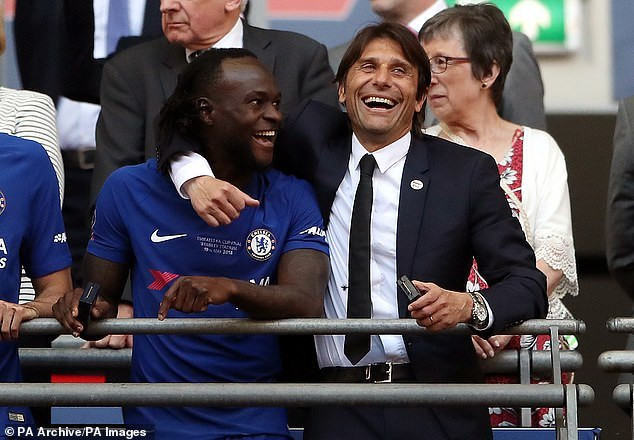 Victor Moses and Antonio Conte (PA Images)