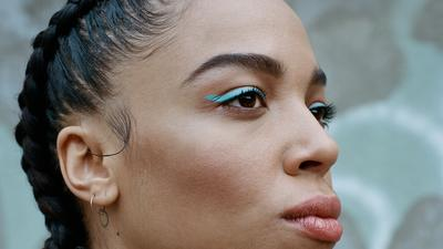 Meet Zsela, a Singer Perfecting the Art of Taking It Slowly