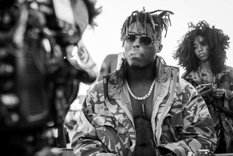 The report says, the pilot of the private he was in had informed the authorities that Juice Wrld and his crew on bound the place. This prompted the FBI and FAA to wait for the plane as it landed. [Instagram/JuiceWrld]