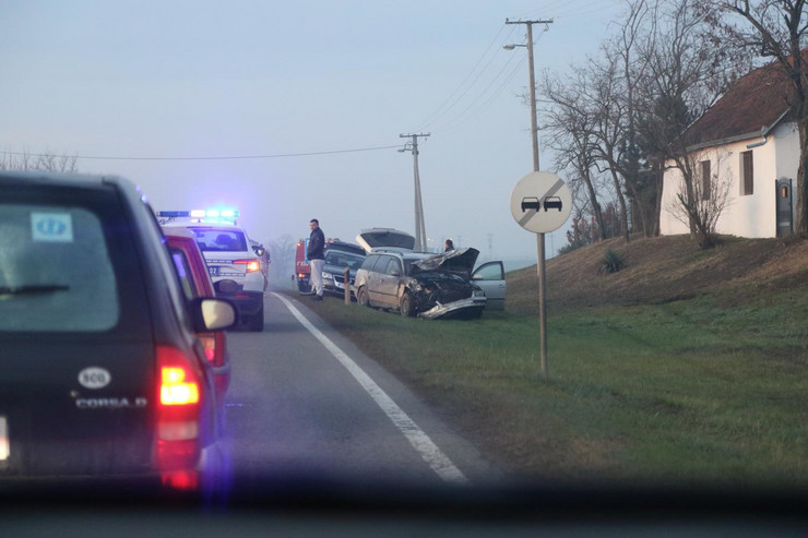 U teškoj saobraćajnoj nesreći kod Subotice poginula su dva muškarca