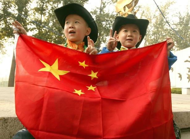 """Podejście ministerstwa skrytykowało wielu chińskich internautów. """"Celem edukacji jest wychowanie dzieci na porządnych ludzi. Nie powinno w niej chodzić o ustanawianie standardów płciowych dla kobiet i mężczyzn"""" – ocenił jeden z nich."""