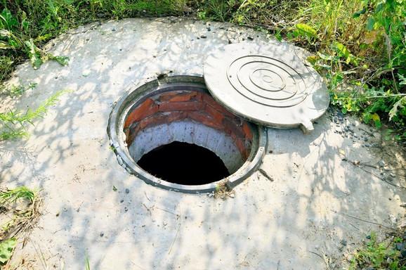 Ljudski ostaci pronađeni su tokom isušivanja septičke jame