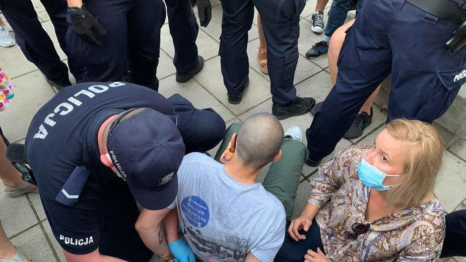 """Policja zatrzymywała protestujących przeciwko aresztowaniu """"Margot"""""""