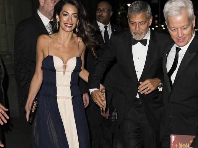 """Zaboravite na sve druge SOFISTICIRANE DAME, Amal je sinoć pokazala da je NAJVEĆA: Ovo izdanje je VRHUNAC ELEGANCIJE i možemo samo da kažemo """"VAU!"""""""