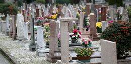Miliard złotych leży na cmentarzu i nikt się po nie nie schyla