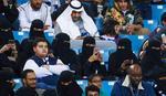 ZA ISTORIJU Žene konačno na tribinama u Saudijskoj Arabiji, Mažić delio pravdu u meču za prepričavanje /FOTO/