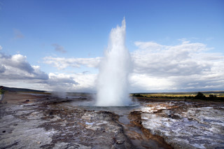 Islandia: Jak tanio zwiedzać krainę gejzerów i Prince Polo? [PORADNIK]