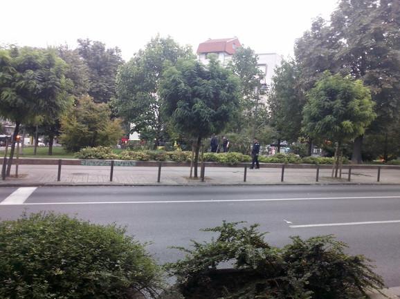 Pripadnici MUP-a u parku kod Trga republike