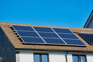 """PIT za 2019 r. Czy trzeba rozliczać wsparcie z programów """"Czyste powietrze"""" i """"Mój prąd""""?"""