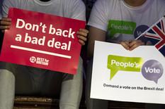 PAKAO BREGZITA, HAOS ŠIROM BRITANIJE Masovne ostavke ministara, pada funta, tržište u panici, MOGUĆ RASPAD DRŽAVE