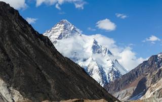 Ranny Polak spędzi noc na K2. Pakistańczycy zażądali gwarancji finansowych