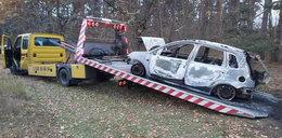 Strażacy ugasili płonący samochód. Gdy zajrzeli do bagażnika, zamarli