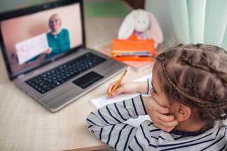 Edukacja domowa w Polsce: Rewolucja, która ułatwi życie rodzicom i uczniom
