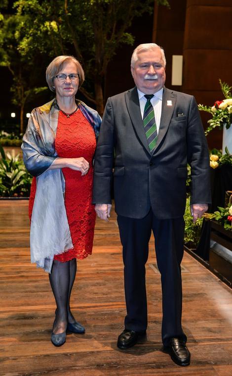 Lech Wałęsa świętuje z żoną Danutą swoje 74. urodziny w Europejskim Centrum Solidarności, Gdańsk, 2 października 2017 r.