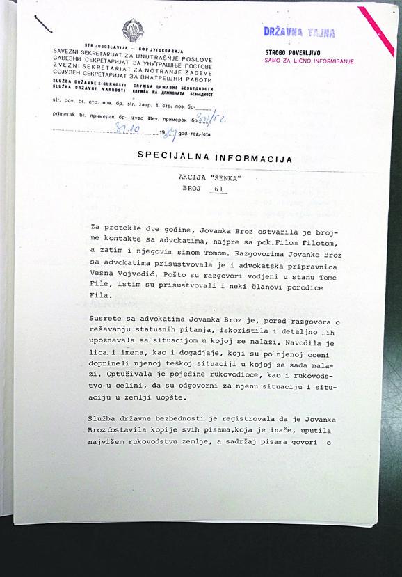 """Na spisku Titove imovine su brojni automobili, kuće u Dobanovcima i Maroku, kolekcija umetničkih slika, zlatni nakit, kristalni predmeti, biblioteka. na izveštaju piše da je u pitanju """"specijalna informacija"""", """"državna tajna"""", """"samo za lično informisanje"""", verovatno članova predsedništva SFRJ"""