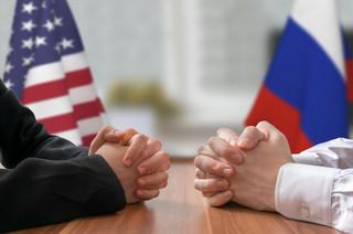 Amerykański generał i armia rosyjskich trolli. Na wyrok w sprawie Michaela Flynna jeszcze poczekamy