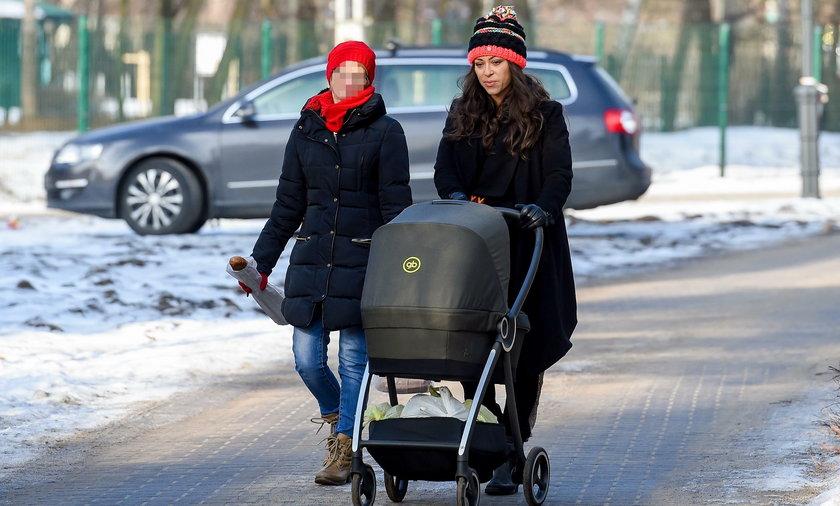 Natalia Kukulska na spacerze z Laurą