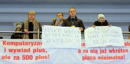 Lokatorzy z kamienicy przy Wólczańskiej w Łodzi na sesji Rady Miejskiej