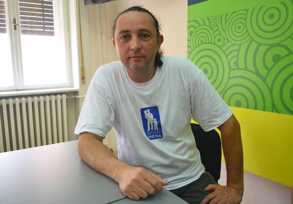 Predsednik Udruženja očeva Dejan Pavlović