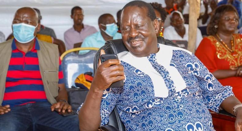 Netizens react to Raila's early morning tweet