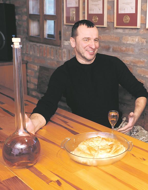 Uživali smo: Odlična rakija i pita Jezdićeve mame
