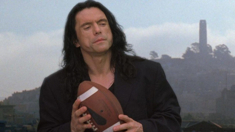 "Tommy Wiseau w filmie ""The Room"""