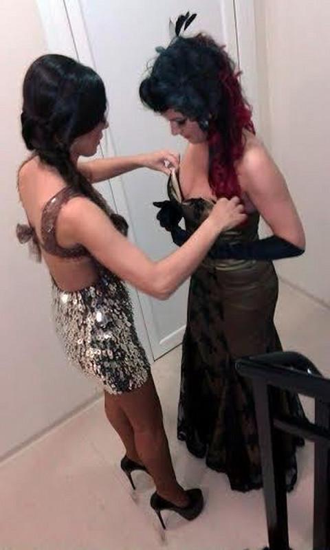 Šokirale sve: Folkerke u lezbo akciji! (FOTO)
