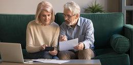 Seniorzy z pieniędzmi na celowniku skarbówki