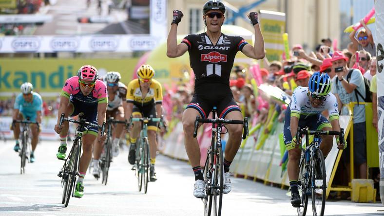Niemiec Marcel Kittel (na zdj.) z grupy Giant - Alpecin wygrał 1. etap 72. Tour de Pologne w Warszawie, 2 bm. Drugi był Australijczyk Caleb Ewan (P) z Orica-GreenEDGE, a trzeci Włoch Niccolo Bonifazio (L) z Lampre-Merida