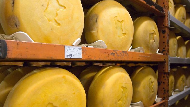 Najlepszy lek na bankructwo? Wiele ton żótego sera!