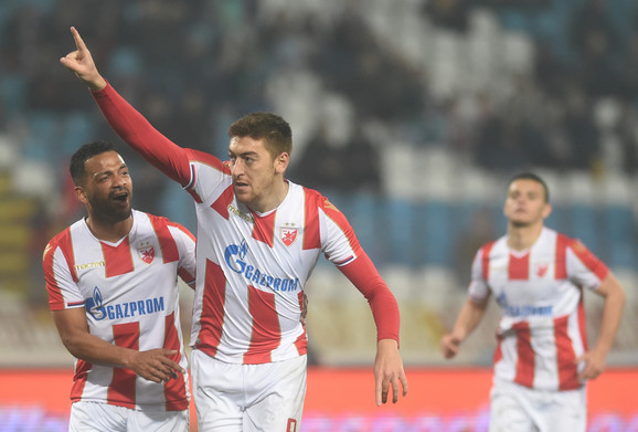 Milan Pavkov slavi pogodak protiv Zemuna