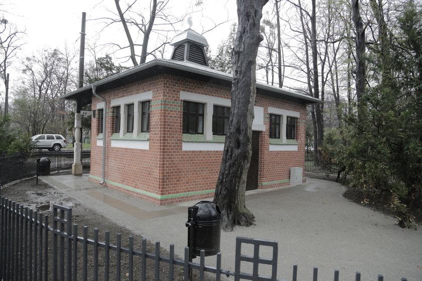 Szalet w Parku Szczytnickim