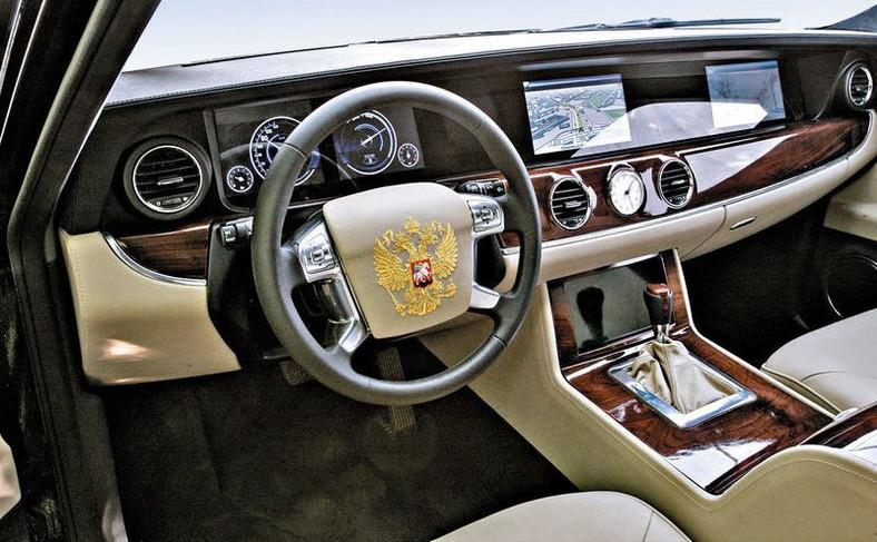 """""""Na bogato"""", tylko dlaczego kierownica jest od... Forda Mondeo?"""