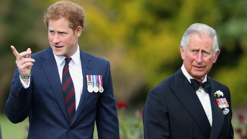 Książę Harry nie porozmawiał z ojcem przed powrotem do ...