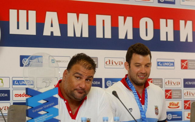 "Šampioni - Selektor ""delfina"" Dejan Savić i Filip Filipović"