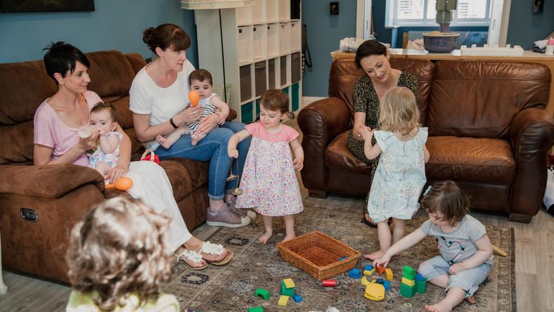 Jak żyją kobiety w macierzyńskim ciągu?