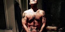 Robbie Williams nago. Tak uczcił urodziny