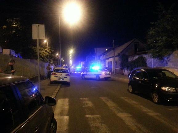Policija je blokirala ulicu