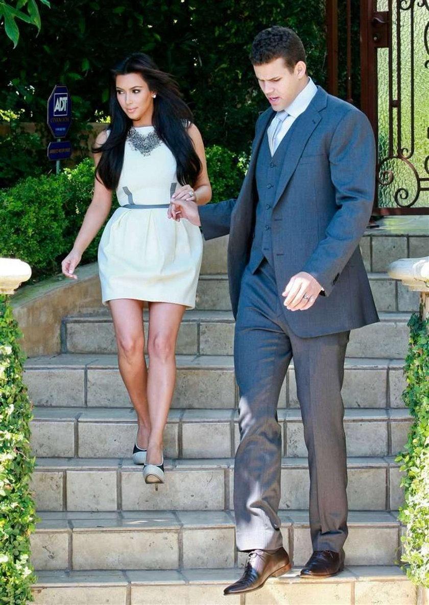 Kardashian chodzi na terapię
