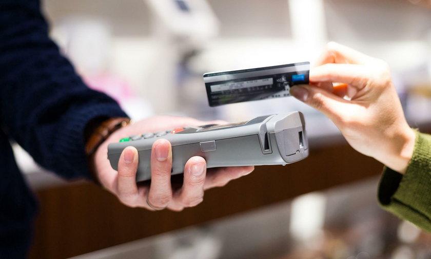 Płatności kartą - pod tym względem jesteśmy potęgą!