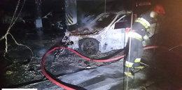 Spłonęły samochody w podziemnym garażu