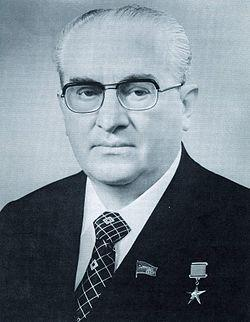 Jurij Andropow był sekretarzem generalnym KPZR od 1982 do 1984 roku