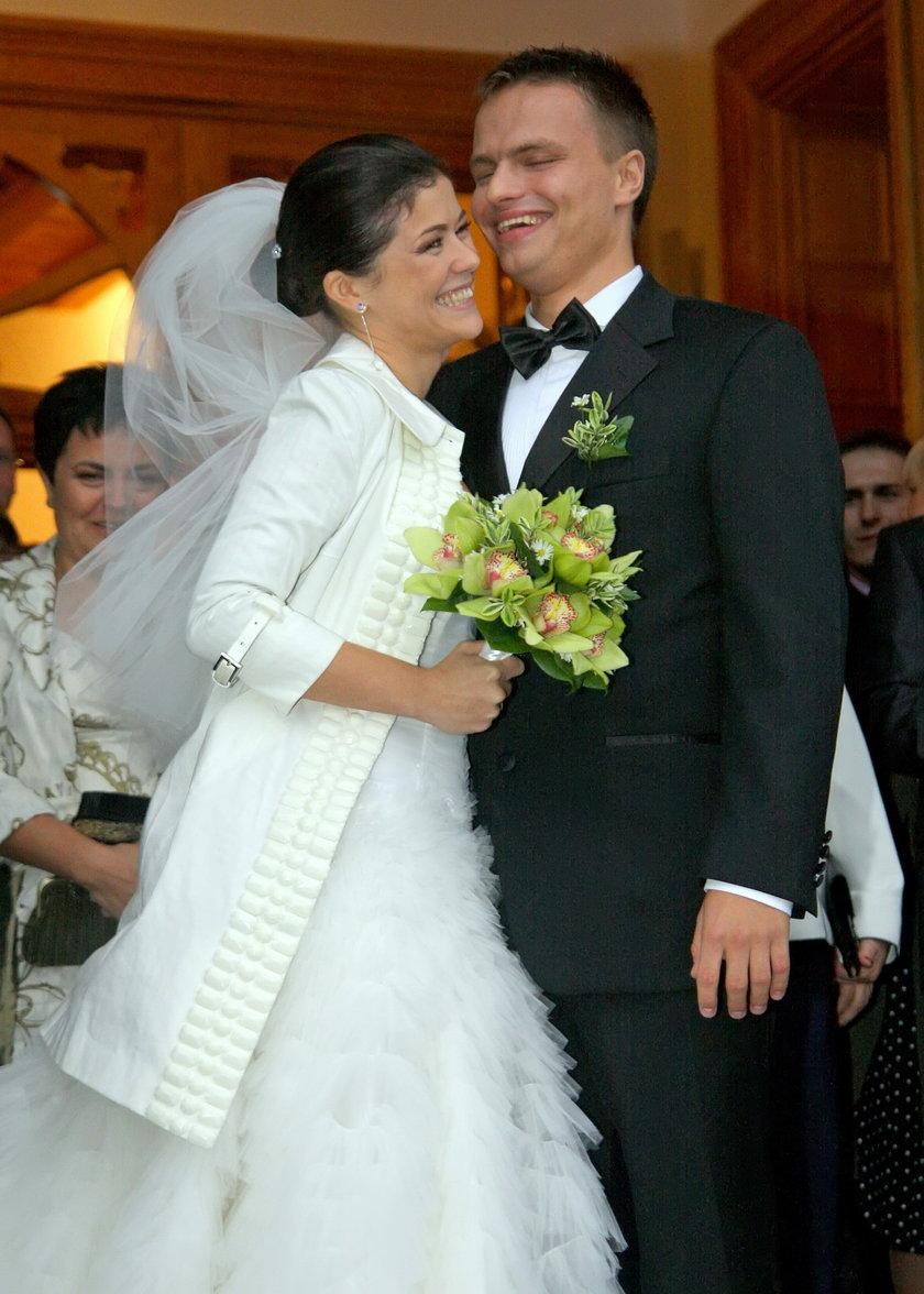 Katarzyna Cichopek i Marcin Hakiel podczas swojego ślubu