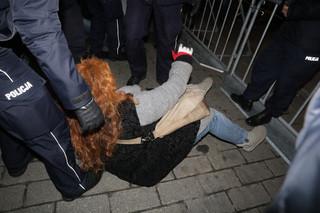 RPO pisze do komendanta głównego policji. 'W kajdankach? Nie było podstaw'