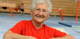 Ma 90 lat, a ciało gibkie niczym nastolatka! WIDEO