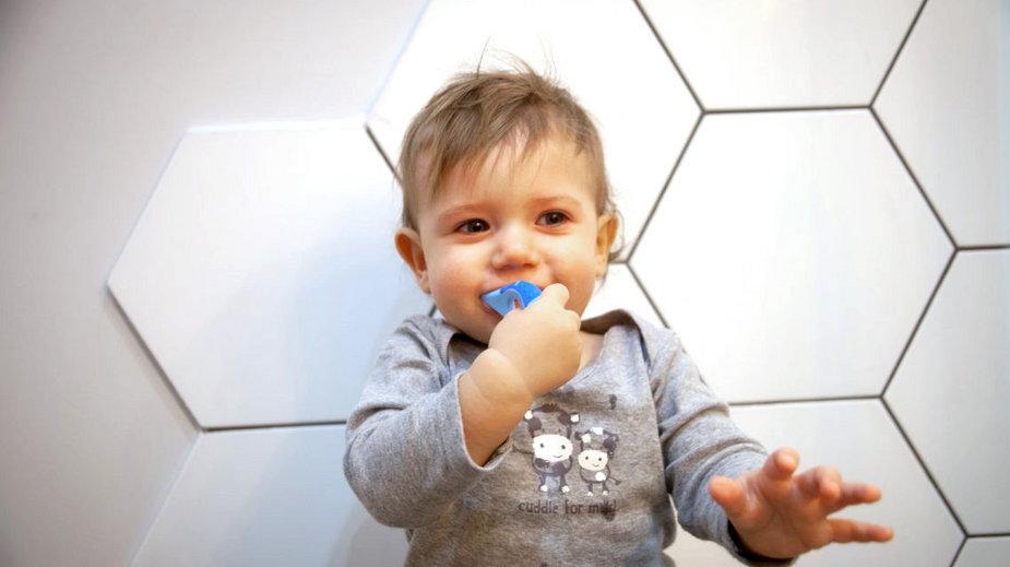 Czy można myć dziecku zęby na siłę?