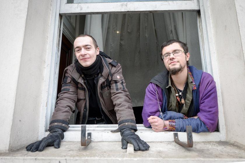 Zajęli apartament bogacza. Chcą, by zamieszkali w nim bezdomni