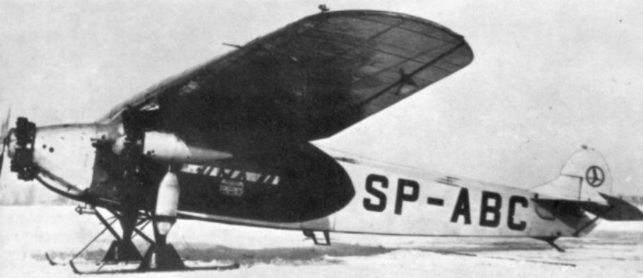 Jednego z Fokkerów F-VII przerobiono tak, by mógł lądować w niemal każdych warunkach. Zamiast kół zamontowano płozy.